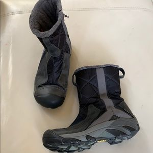 Keen Betty Snow insulated winter boots 9